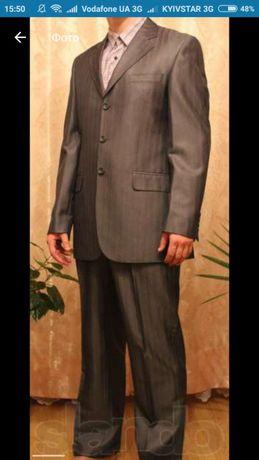 Продам фирменный мужской костюм Ramon Castelli 44 р.