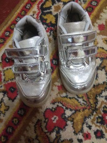 Туфли-кроссовки 28-р.18см.стел.