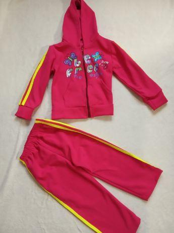 Стильные, теплый костюм девочки на 2-4 года
