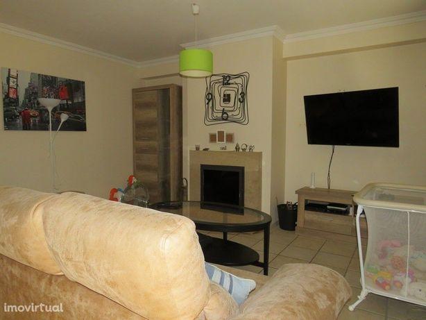 Apartamento Duplex T4 em Aljustrel