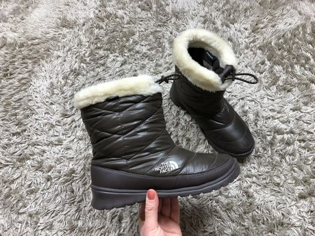 The North Face 39 38,5 38 25cm nowe brązowe śniegowce damskie futerko