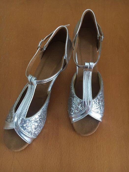 Buty srebrne taneczne 39 Toruń - image 1