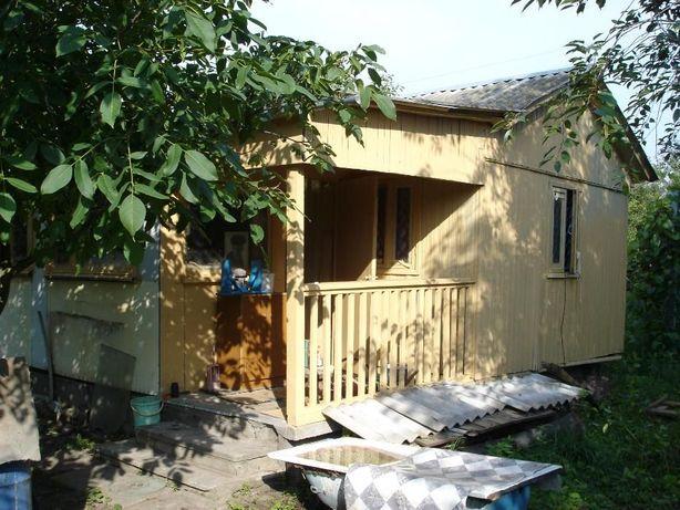 Приватизированный дачный участок 12 соток с деревянным летним домиком