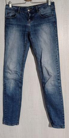 Spodnie damskie Reserved Regular jeansy rurki dżinsy W27 L32 r. 38