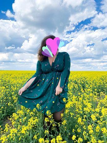 Платье зеленое .
