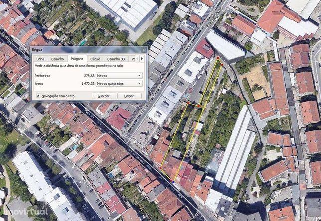 Dois Prédios no Centro da Cidade (Braga)