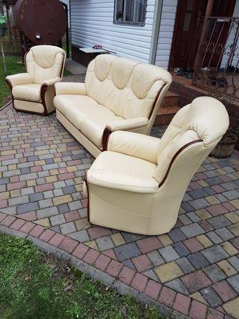 Шкіряний набір диванів/гарнітур 3+1+1 з Європи