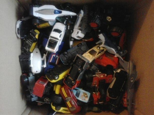 Zestaw samochodów 75 sztuk
