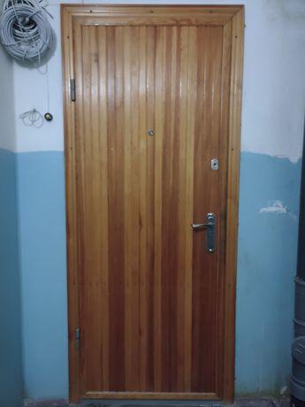 Входные двери бу