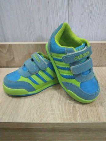 Продам  Adidas kids 22