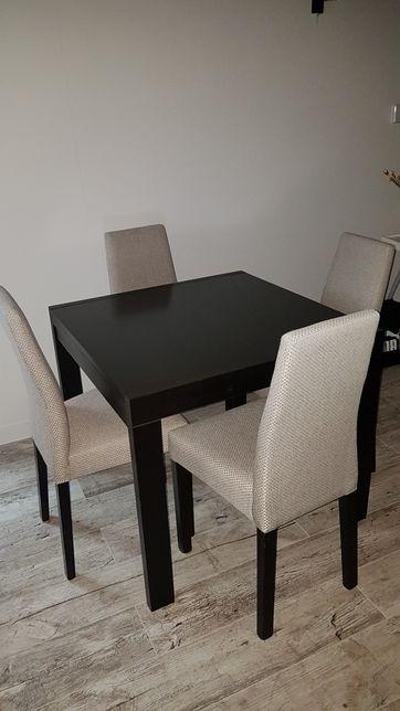 Sprzedam stół rozkładany i 4 krzesła z kolekcji vis a vis BRW 85x85