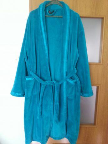 Szlafroki rozm. 42-44, kurtka i spodnie 52