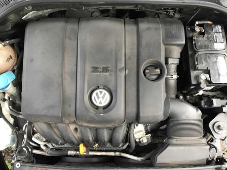 крышка двигателя ,впускной коллектор ,дросель Passat В 7,Jetta 6 USA
