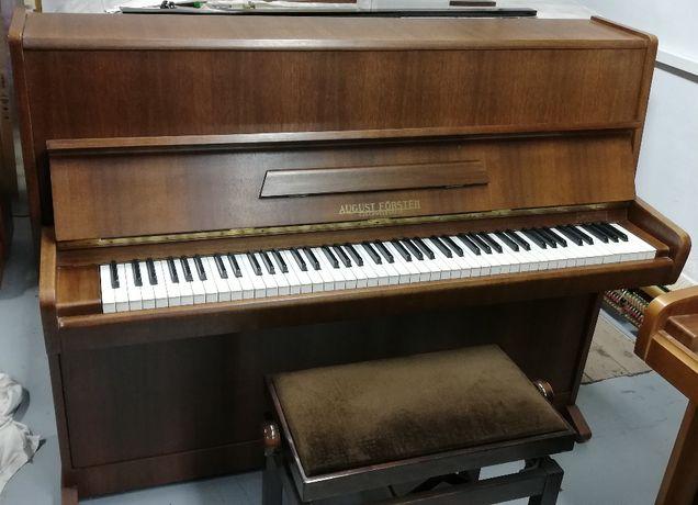 """Pianino """"August Förster"""""""
