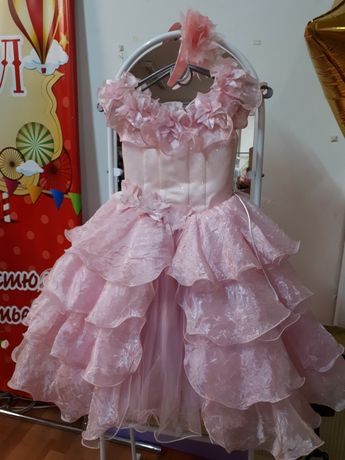 Платье розовое, нарядное, цветок, роза, дама