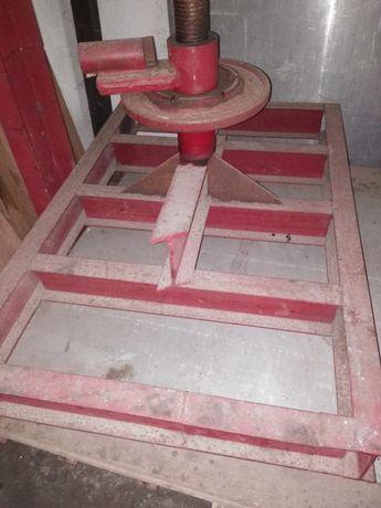 Prasa stolarska do drewna, oklein