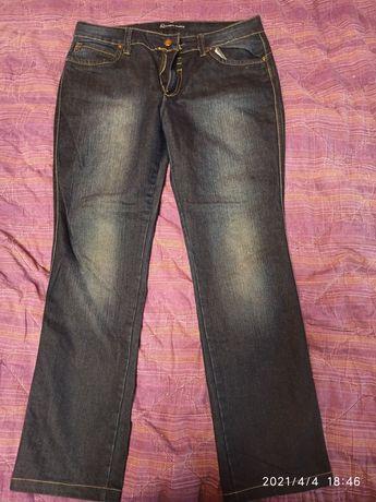 Продам джинсы темно-синие