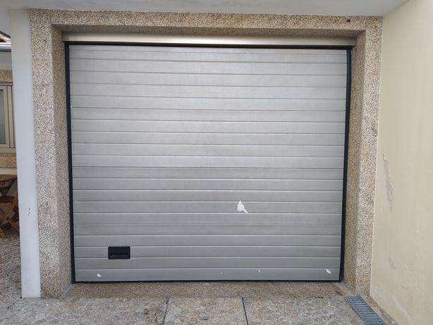 Portão automático seccionado 210x240 cm