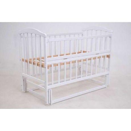 Детская кроватка с маятником Малыш