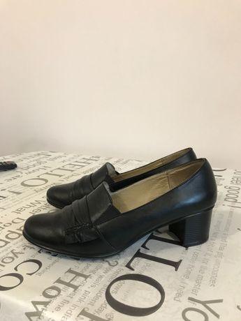 Жіноче весняне взуття