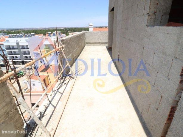 Apartamento T0+3 duplex em Monte Gordo
