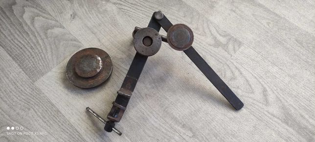 Машинка ключ для выравнивания и реставрации закаточных крышек