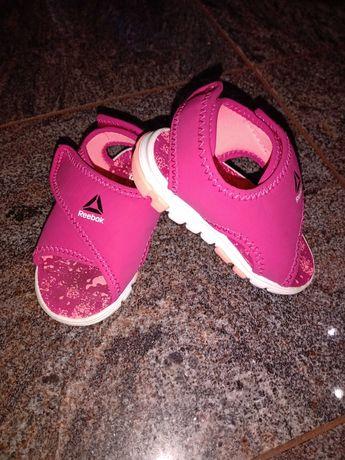 Sandałki dziecięce Reeboka