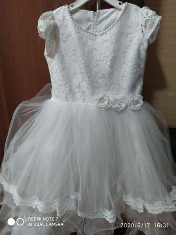 Плаття для дівчинки вік 3-5 років.