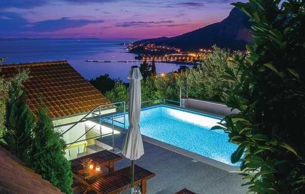 Lato 2022, Chorwacja, Omis, dom dla 14 osób, basenem