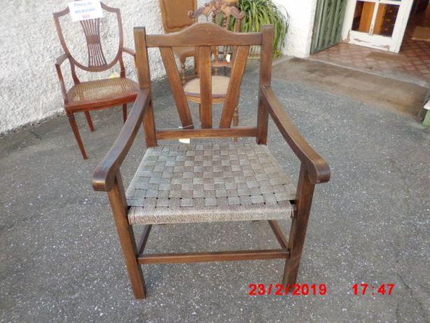 cadeirão antiga rustica restaurada madeira isotica alta qualidade