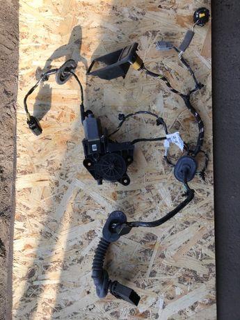 Проводка двери и мотор стеклоподъемник Форд фокус 2