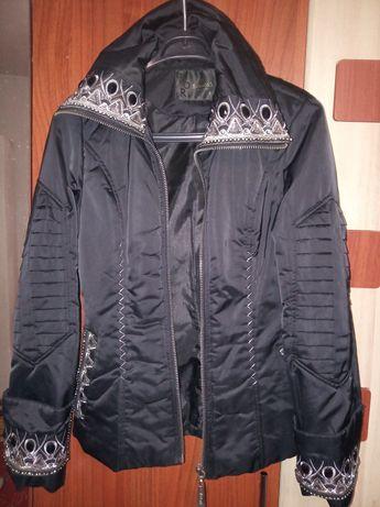 Продам жіночу куртку