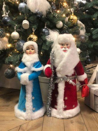 Дед мороз и снегурочка под ёлочку