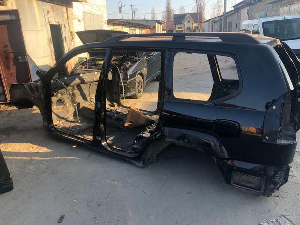 Продам Кузов від Тойота Ланкрузер Прадо 120