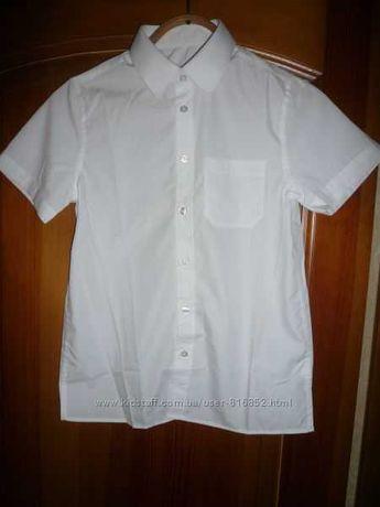 Новая белая  рубашка  f&f с коротким  рукавом на рост 134-146 см.