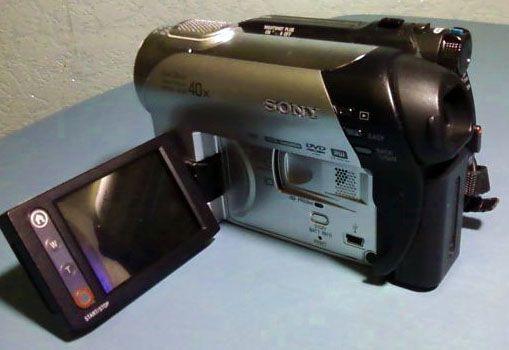 Видеокамера Sony DCR-DVD109E, 2000 руб