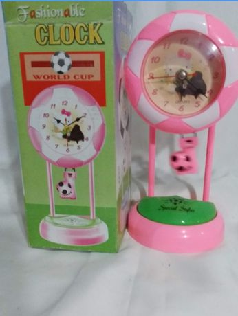 Детские часы с маятником и ночником.