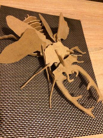 Жук-таракан из дерева