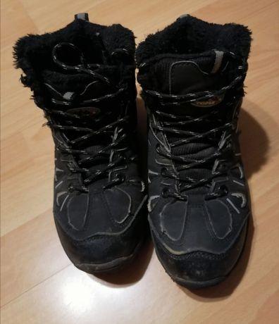 Buty chłopięce zimowe