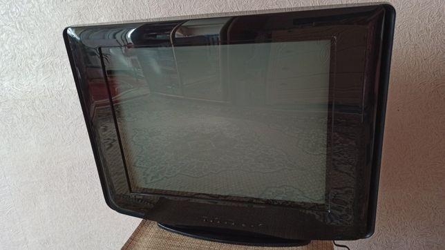 Телевизор Samsung диагональ 53 см.
