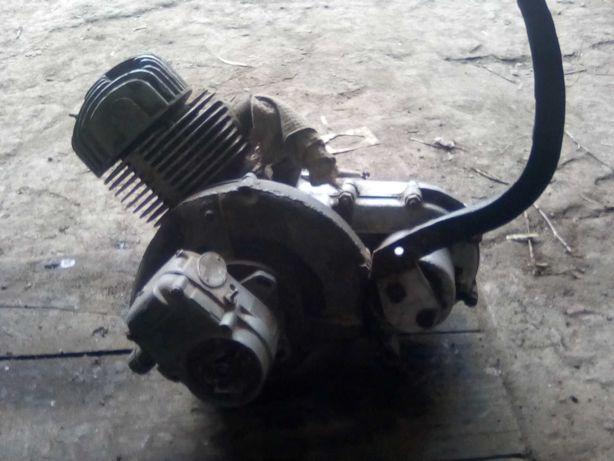 Двигун моторолера Вятка.