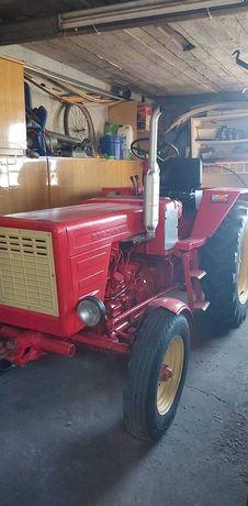 T25 ciągnik rolniczy