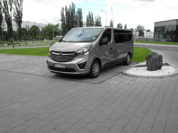 Opel Vivaro Wynajem Busa Bus Wakacje Wesela 9 osób Kraków