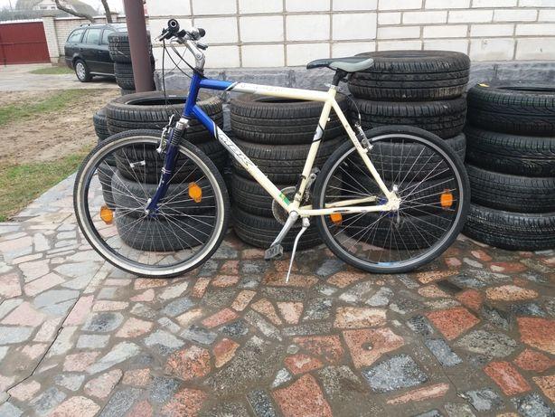 Продається велосипед із німеччини. колеса на R 28