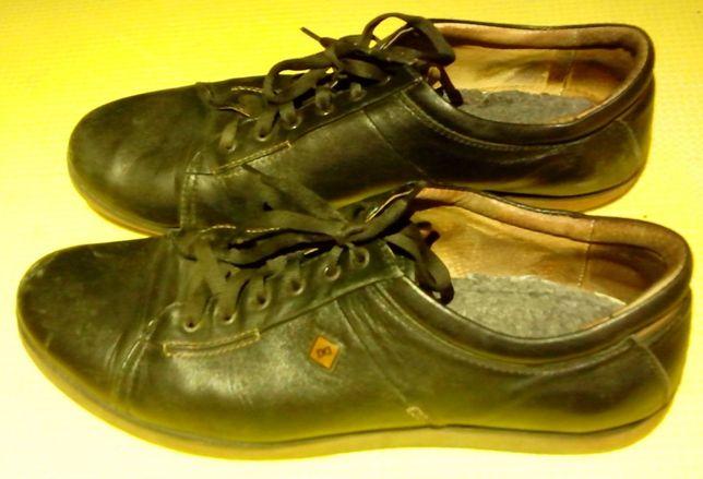 Кроссовки кожаные 45 размер
