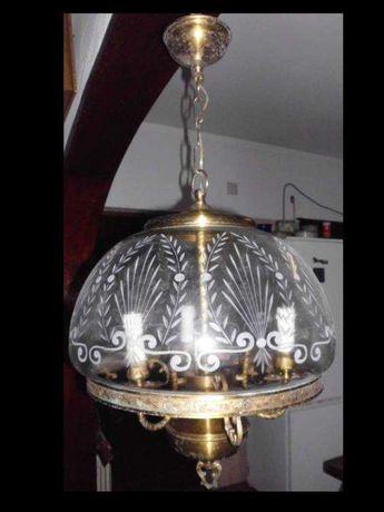 lindo antigo candeeiro de tecto com vidro lapidado