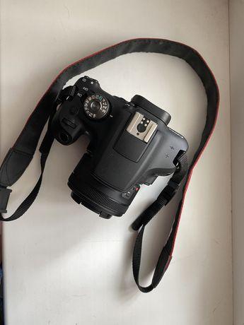Продам Canon 2000D + Canon 50mm f1.8 stm