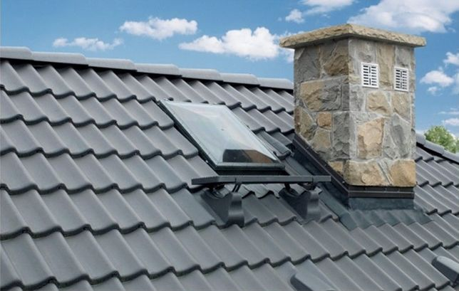 właz wyłaz dachowy kominiarz okno dachowe świetlik