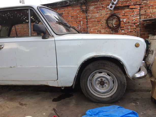 Автомобіль Ваз 2101