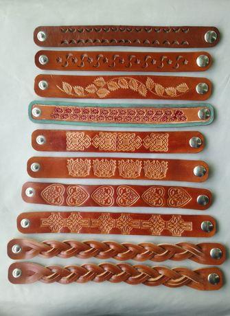 Pulseiras artesanais em couro